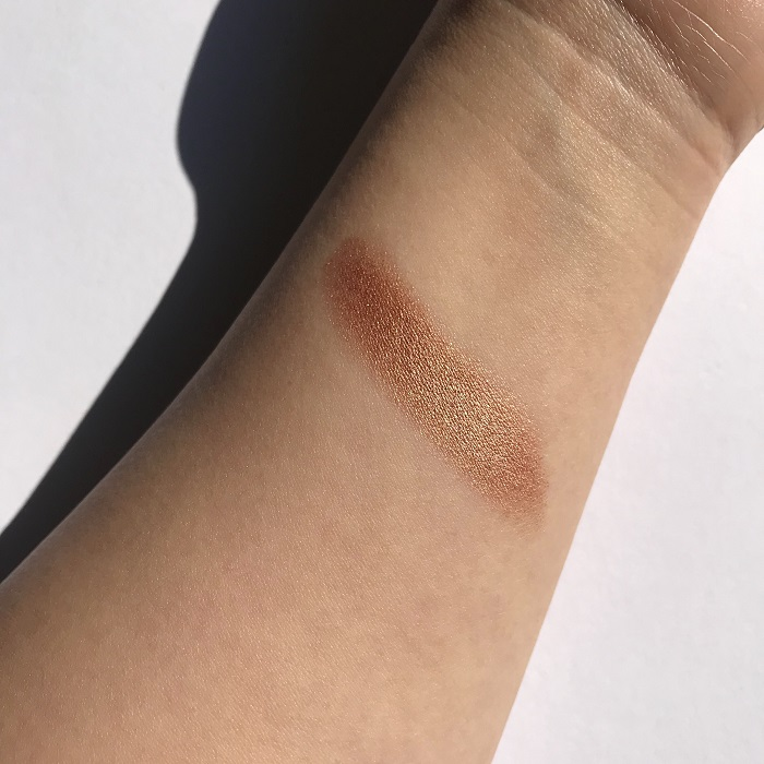 Nude by Nature Touch of Glow Highlight Stick Bronze Review & Swatches (Direct Sunlight)